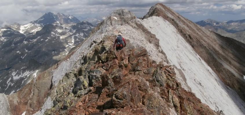 Subida y descenso a los Infiernos en los Pirineos.Cuando los precipicios pronuncian tu nombre…El Angel Caído.