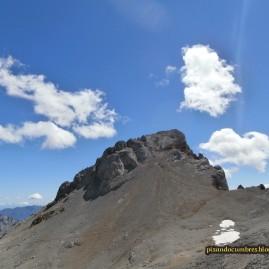 Peña Vieja. 2415 metros.