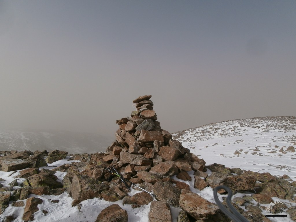 Hito del Cabeza Nevada. 2426 metros
