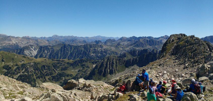 De la Presa de Cavallers al Pic Montardo. El sueño de Mirfak, la náyade de Aigüestortes.(Segunda parte). Campamento FEDME Valle de Boí.(III)