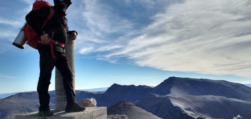 La Integral de Sierra Nevada. Rocas, tierra suelta, cielos y precipicios.  Cuando tu esfuerzo tiene recompensa…. De Pillavientos al mirador de Nigüelas.(Día 3)