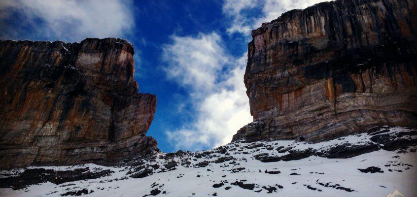 En los Pirineos Franceses(2). Cruzando la Brecha de Rolando hacia el Taillon. Sobre la delgada línea de la vida y la muerte…, la soledad de Maese Viento.