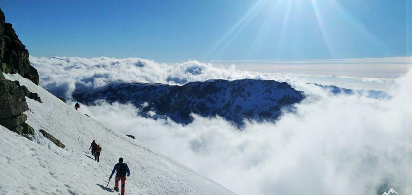 El Almanzor en Mayo. Cuando los sueños se alcanzan salvando la nieve húmeda…
