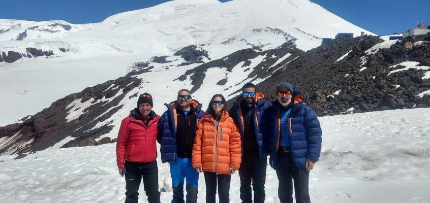 En el sueño blanco de Josechu, la ascensión al Elbrus. 4. El cruce del glaciar Garibashi.