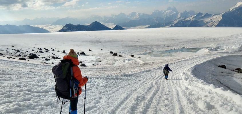 En el sueño blanco de Josechu, la ascensión al Elbrus. 5. Las dos subidas al Elbrus.